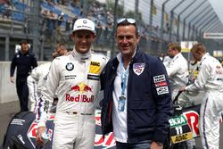 Marco Wittmann, BMW Team RMG, BMW M4 DTM, mit Matthias Dolderer, Red Bull Air Race Champion