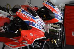 Vergleich: Neue und alte Verkleidung an den Bikes von Andrea Dovizioso, Ducati Team