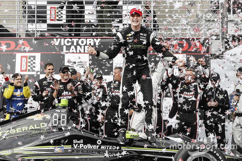 Победитель: Джозеф Ньюгарден, Team Penske Chevrolet