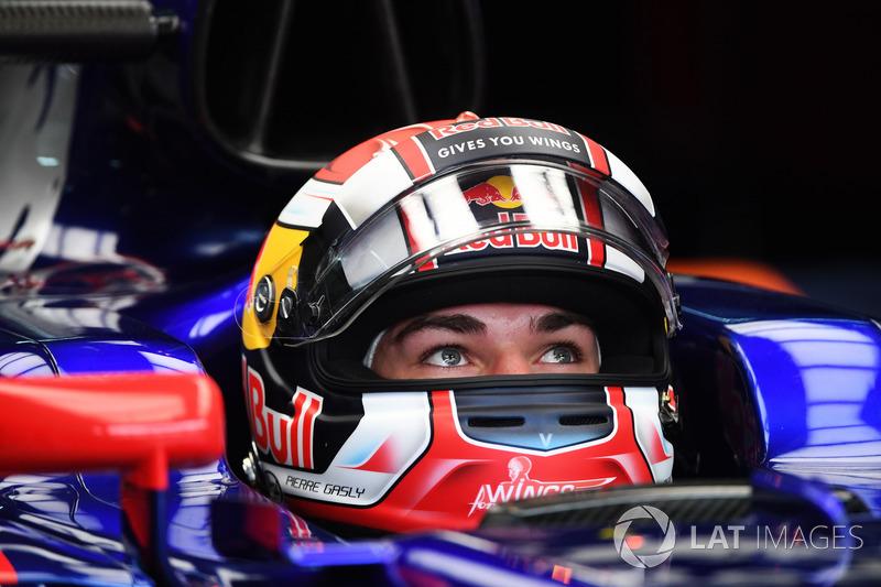 Пьер Гасли во время дебюта в Ф1 в Малайзии