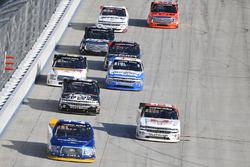 Chase Briscoe, Brad Keselowski Racing Ford, Kaz Grala, GMS Racing Chevrolet, John Hunter Nemechek, SWM-NEMCO Motorsports Chevrolet