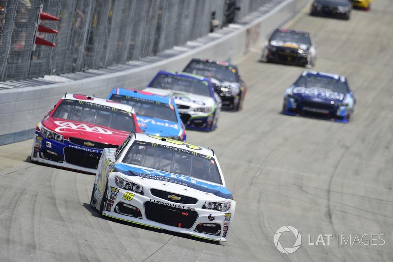 Michael McDowell, Leavine Family Racing, Chevrolet; Austin Dillon, Richard Childress Racing, Chevrolet