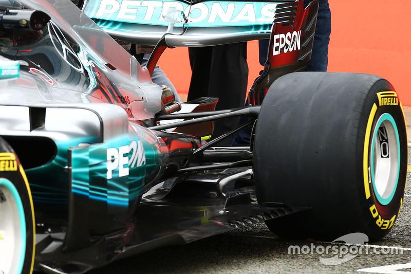 Заднє антикрило Mercedes AMG F1 W08
