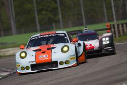 #86 Gulf Racing Porsche 911 RSR: Майкл Вейнрайт, Бен Баркер, Нік Фостер, #2 Porsche Team Porsche 919 Hybrid: Тімо Бернхард, Ерл Бамбер, Брендон Хартлі