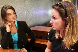 Journalistin Chiara Rainis und Delphine Biscayne, Team Venturi