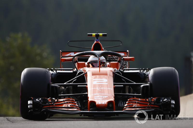 Stoffel Vandoorne, McLaren MCL32, con el halo