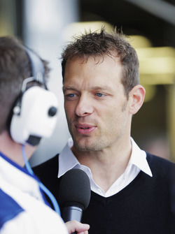 David Croft interviewt Alex Wurz