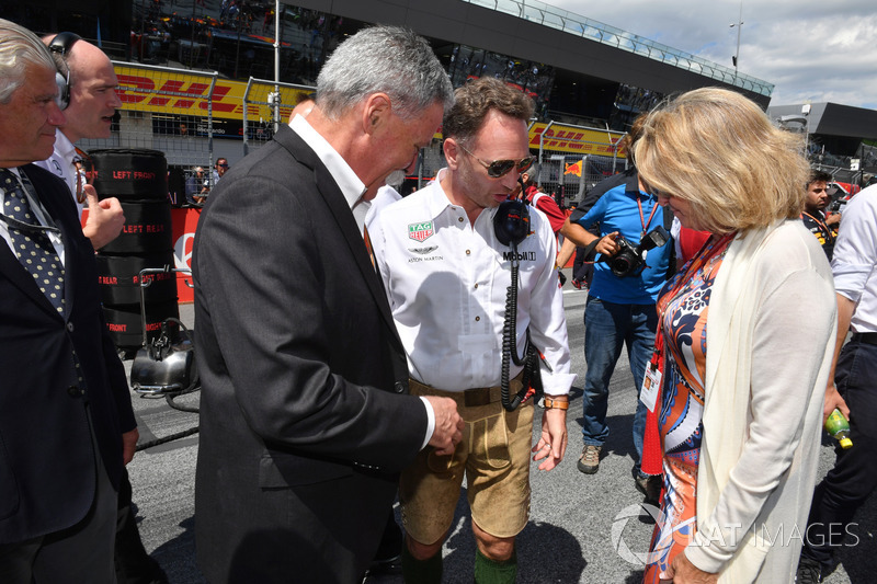 Chase Carey, Chief Executive Officer Formula One Group y Christian Horner, Red Bull Racing Team Principal