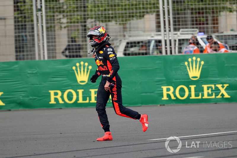 Max Verstappen, Red Bull Racing s'en va après son abandon