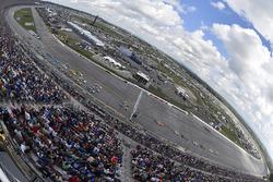 Ricky Stenhouse Jr., Roush Fenway Racing Ford and Jimmie Johnson, Hendrick Motorsports Chevrolet