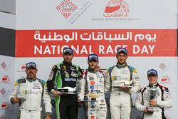 منصة تتويج السباق الثاني لجولة البحرين ما قبل الأخيرة: الفائز: ديلان بيريرا، المركز الثاني: توم أوليفانت، المركز الثالث: تشارلي فرينز