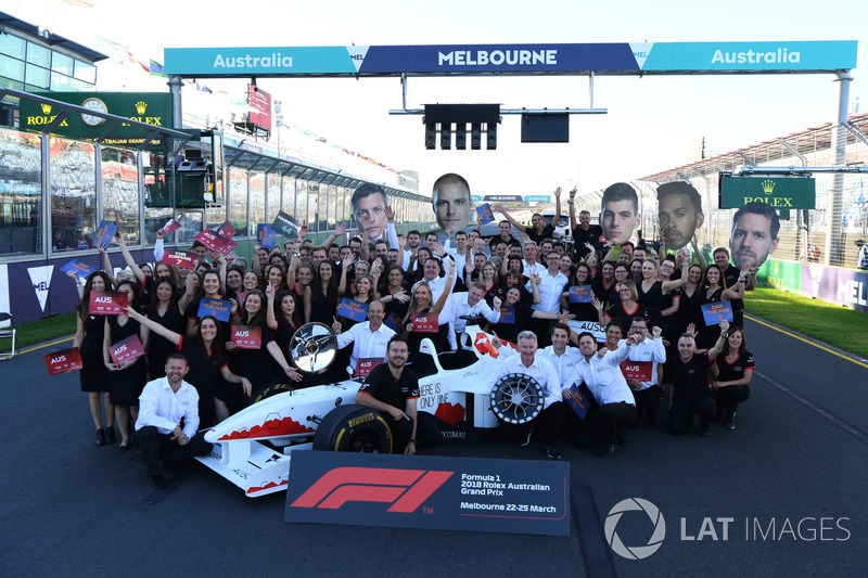 F1 Experiences 2-Seater Group photo