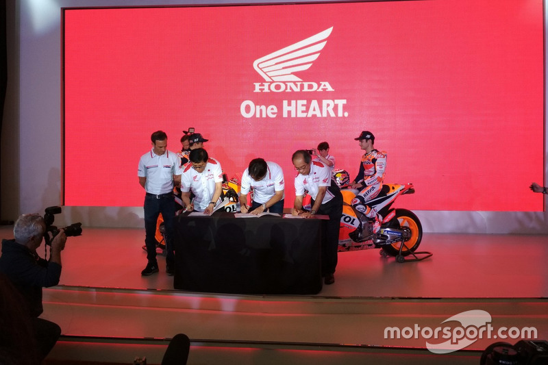 Alberto Puig, Repsol Honda Team Manager; Johannes Loman, Executive Vice President Director PT Astra Honda Motor; Tetsuhiro Kuwata, Chief Engineer of Technology Development Division Honda Racing Corporation dan Toshiyuki Inuma, President Director PT Astra