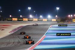 Fernando Alonso, McLaren MCL33 Renault, Stoffel Vandoorne, McLaren MCL33 Renault, Max Verstappen, Red Bull Racing RB14 Tag Heuer