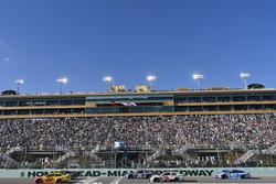 Joey Logano, Team Penske Ford, Team Penske, Ford Fusion, Chase Elliott, Hendrick Motorsports Chevrolet