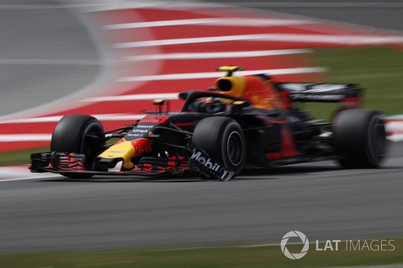 Verstappen, VSC esnasında Williams'a çarpıyor