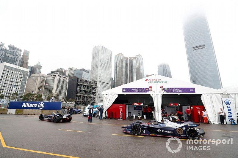 Robin Frijns, Envision Virgin Racing, Audi e-tron FE05, Sam Bird, Envision Virgin Racing, Audi e-tron FE05 head down the pit lane