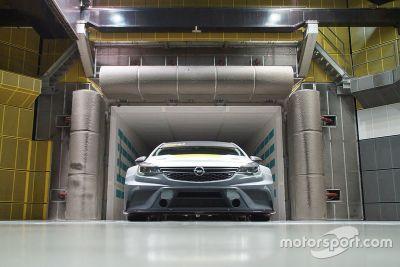 Opel Astra, test in galleria del vento
