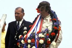 Podio: il vincitore della gara Jochen Rindt, Lotus