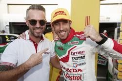 Pole position de Esteban Guerrieri, Honda Racing Team JAS, Honda Civic WTCC with Tiago Monteiro, Honda Racing Team JAS, Honda Civic WTCC