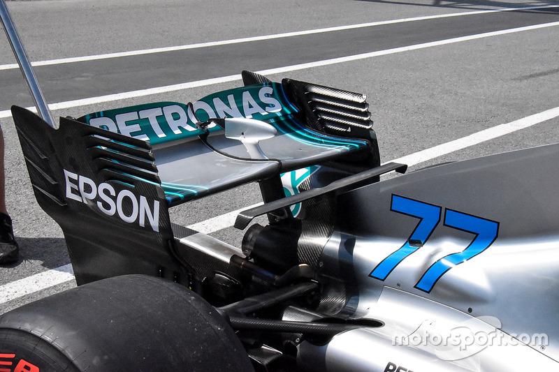 Mercedes AMG F1 W09 rear wing detail