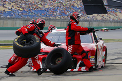Austin Dillon, Richard Childress Racing, Chevrolet Camaro AAA pit stop