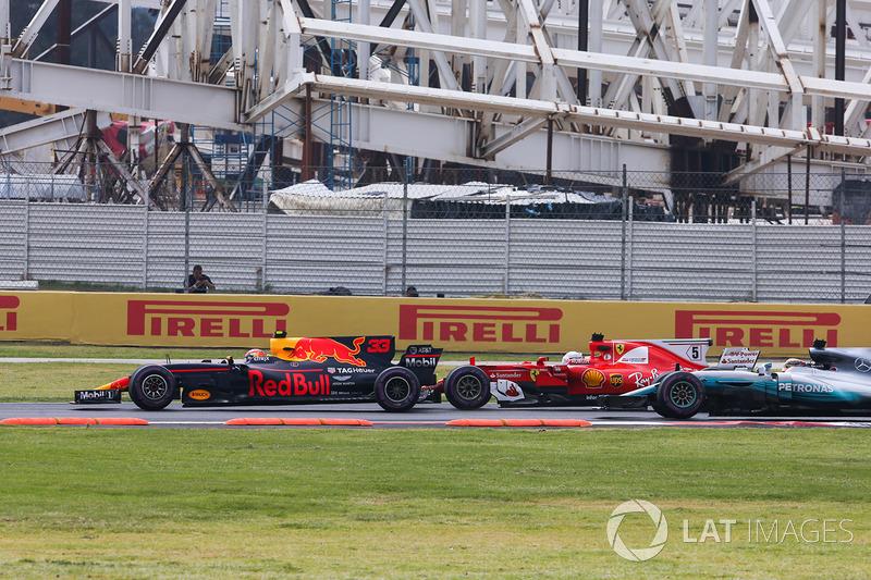 Max Verstappen, Red Bull Racing RB13, Sebastian Vettel, Ferrari SF70H, Lewis Hamilton, Mercedes AMG F1 W08