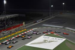 Start: Sebastian Vettel, Ferrari SF71H leads