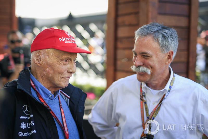 Невиконавчий директор Mercedes AMG F1 Нікі ЛАуда, керівник Ф1 Чейз Кері