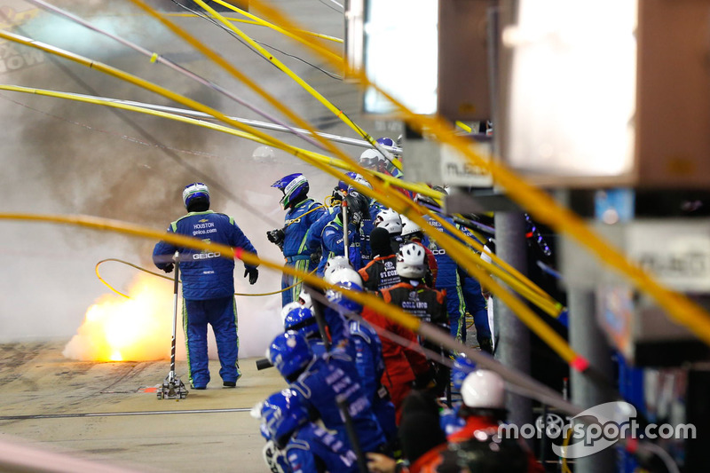 Fire at the Casey Mears, Germain Racing Chevrolet pit