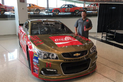 Tony Stewart, throwback Bobby Allison scheme