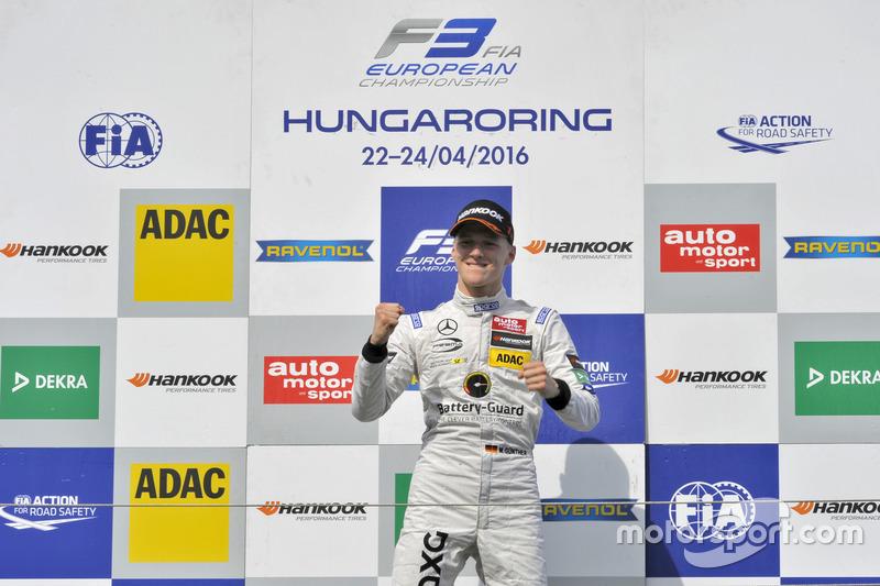 Podio: ganador Maximilian Günther, Prema Powerteam Dallara F312 – Mercedes-Benz