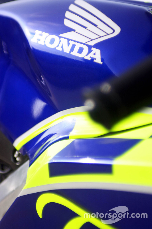 Gros plan sur la Honda RC211V