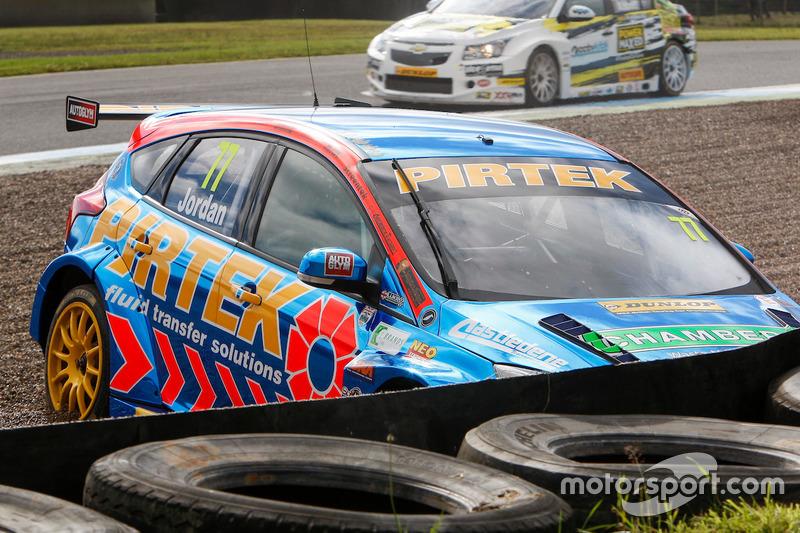 Crash, Andrew Jordan, Motorbase Performance