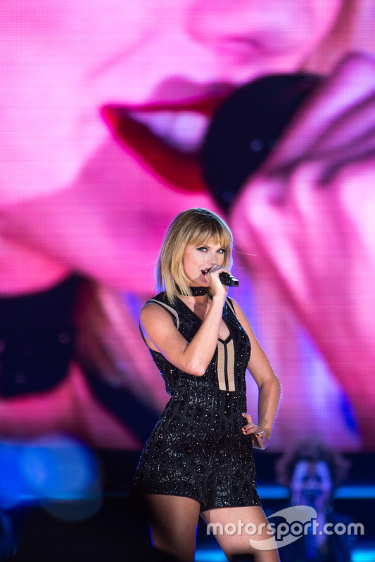 Taylor Swift, Singer, performs a concert at COTA.  22.10.2016. Formula 1 World Championship, Rd 18, United States Grand Prix, Austin, Texas, USA, Qualifying Day.  - www.xpbimages.com, EMail: requests@xpbimages.com - copy of publication required for printed pictures. Every used picture is fee-liable. © Copyright: Price / XPB Images