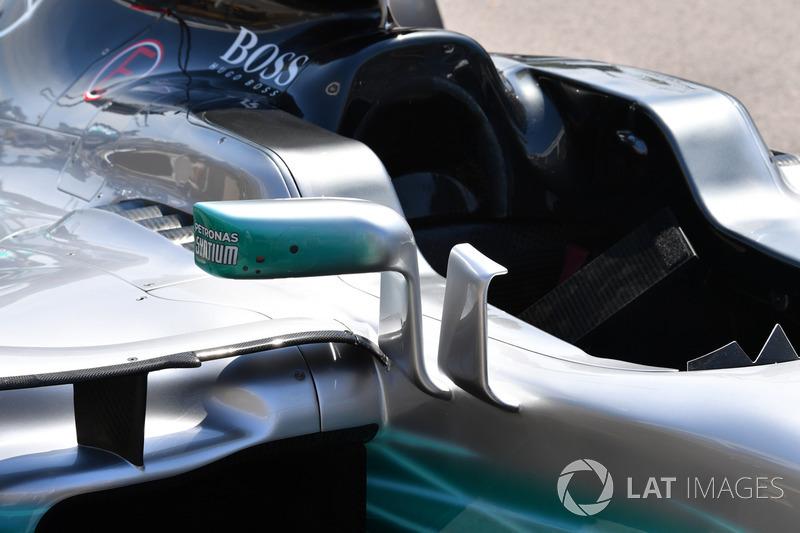 Mercedes-Benz F1 W08: Luftleitblech am Cockpit