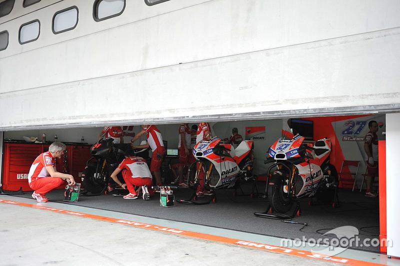 Box del equipo Ducati