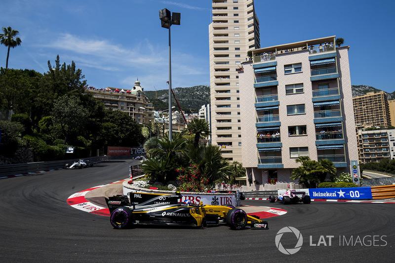 Felipe Massa, Williams FW40, Jolyon Palmer, Renault Sport F1 Team RS17