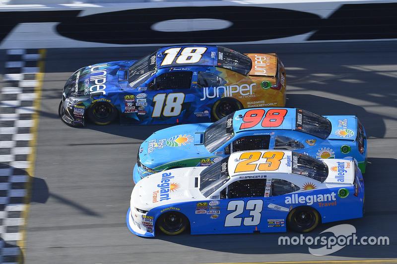 Daniel Suarez, Joe Gibbs Racing, Toyota; Aric Almirola, Ford; Spencer Gallagher, GMS Racing, Chevrolet