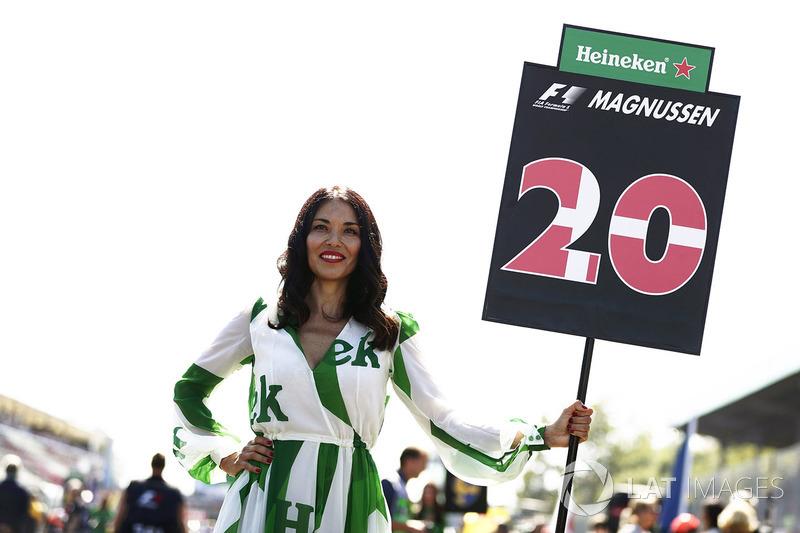 Chica de la parrilla para Kevin Magnussen, Haas F1 Team