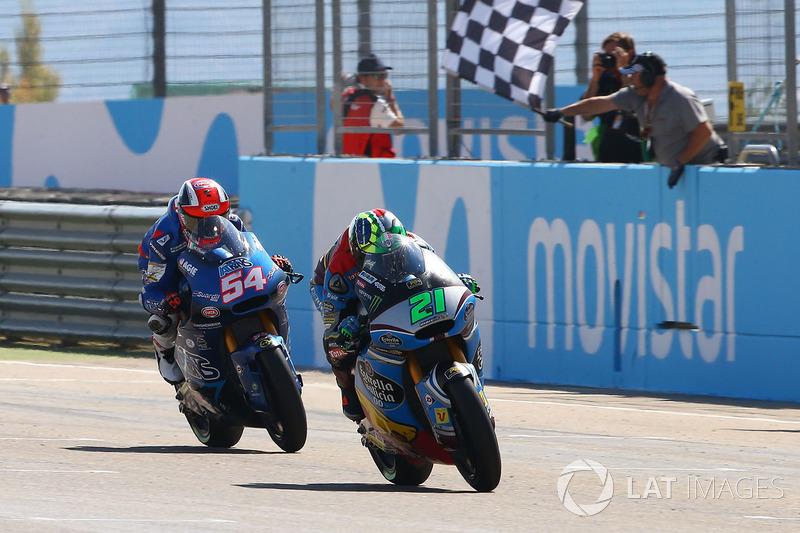 Na Moto2, Franco Morbidelli venceu um duelo de tirar o fôlego frente ao amigo e compatriota Mattia Pasini. Com Luthi apenas em quarto, o piloto ítalo-brasileiro agora tem 21 pontos de frente no mundial.