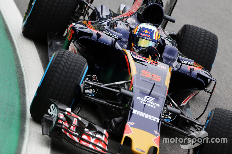 15: Карлос Сайнс, Scuderia Toro Rosso STR11