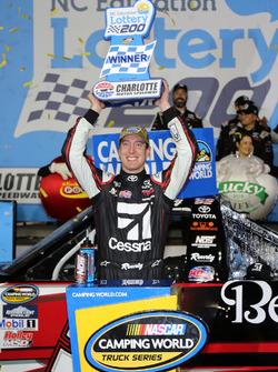 Race winner Kyle Busch, Kyle Busch Motorsports Toyota
