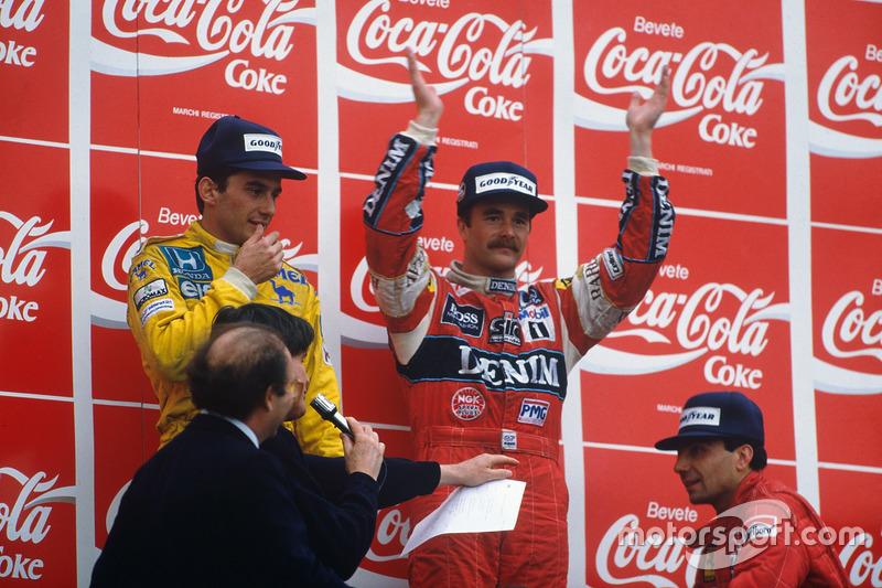Подіум: переможець Найджел Менселл, Williams, Айртон Сенна, Team Lotus, Мікеле Альборето, Ferrari