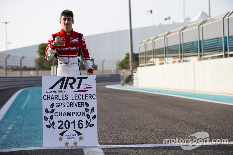GP3 / F2 serilerinde art arda şampiyon olan ilk isim