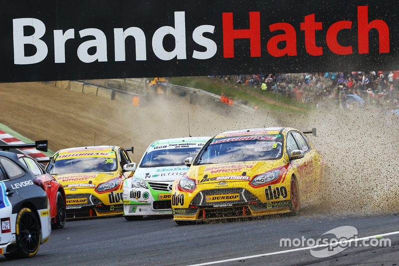 Mat Jackson, Team Shredded Wheat Racing with Duo, Ford Focus