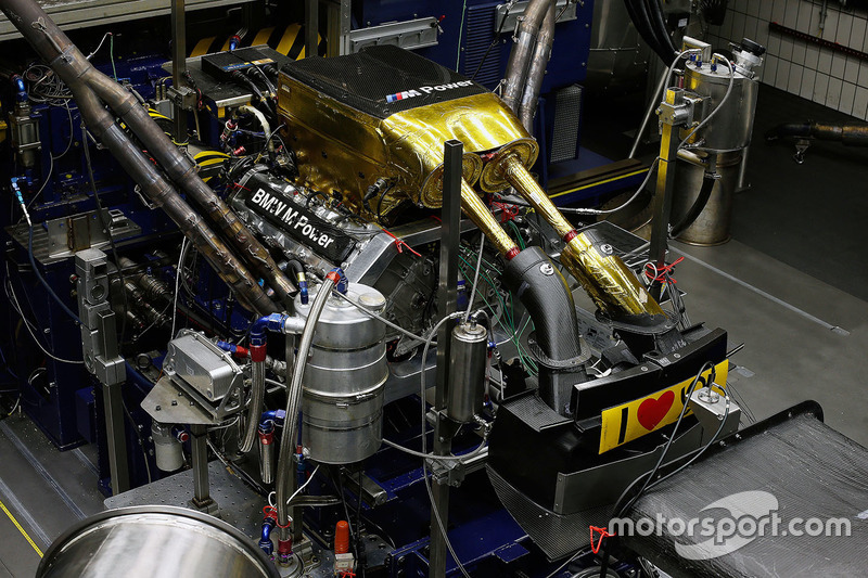 BMW P66/1 engine