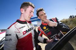 Le vainqueur Thierry Neuville, Hyundai Motorsport, le deuxième Elfyn Evans, M-Sport