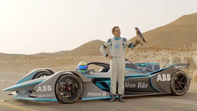 Formula E: The Hunt - Felipe Massa vs Peregrine Falcon