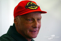 Lauda hits out at other team bosses